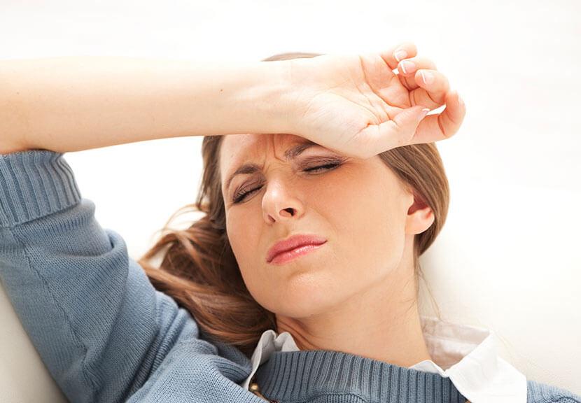 pludselig voldsom hovedpine